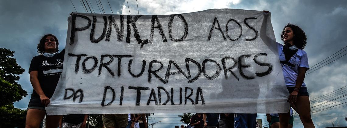 Levante Popular da Juventude interdita Rodovia Washington Luiz para cobrar punição aos torturadores da ditadura militar