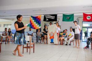 Mística de abertura em homenagem a Paulo Freire