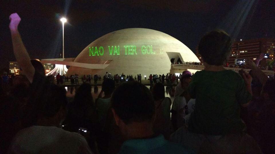 A democracia está viva e saiu às ruas em todo o Brasil