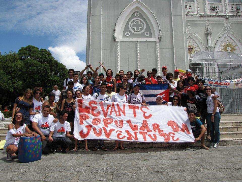 No Grito dos Excluídos em Aracaju, a juventude do Projeto Popular vai as ruas