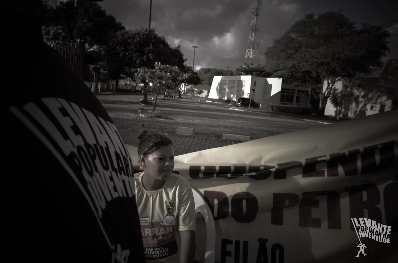 Leilão é privatização!